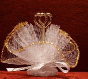 Bruiloft bedankje 'Hartjes' (wit en goud)